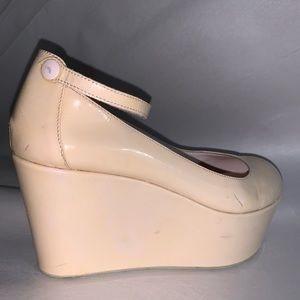 NWT size 39 pale blush PATENT LEATHER platforms